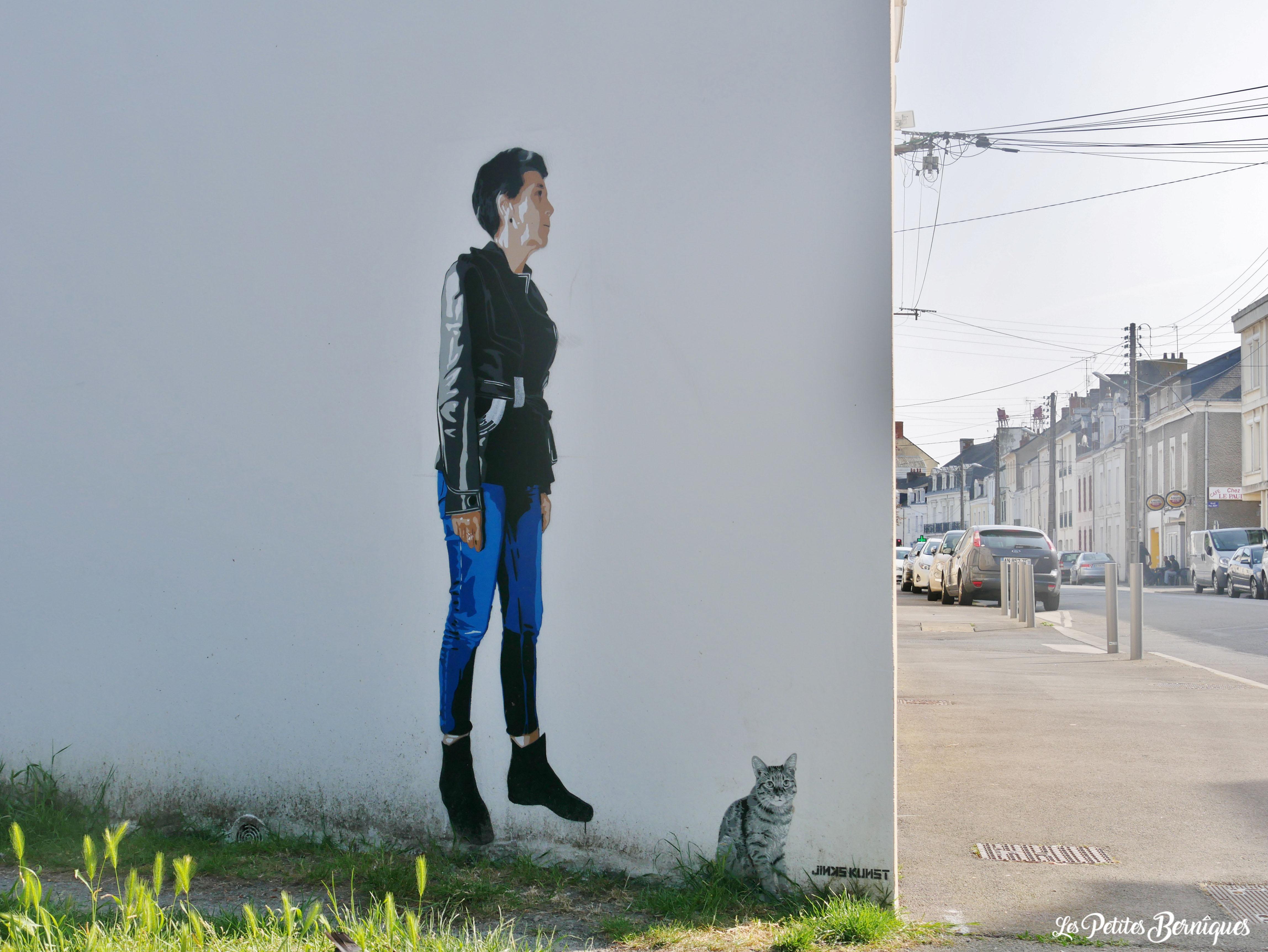 Fresque femme et chat Jinks Kunst Saint-Nazaire