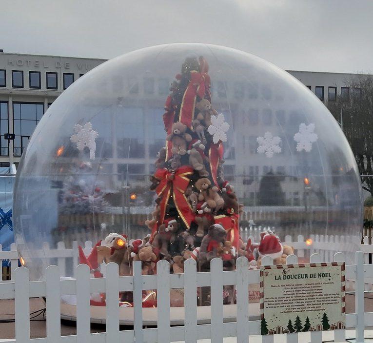 deco noel - ville saint-nazaire - bulle
